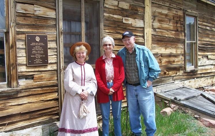 Sylvia, Duane, Susan Kniebes 2009