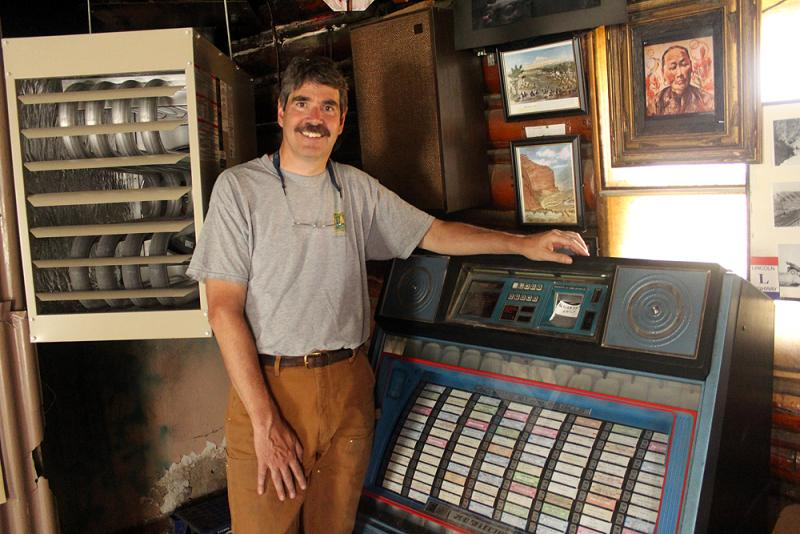 Bill Schreiber relives memories at the jukebox