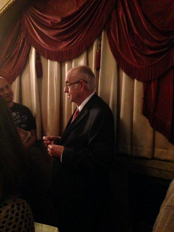 Carl Kasell taking questions from fans