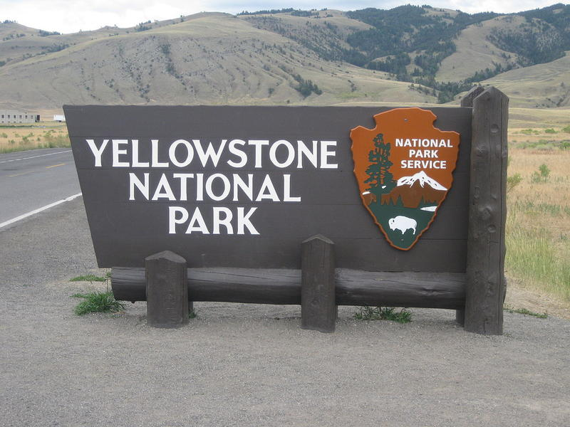 The sign at the entrance to Yellowstone National Park