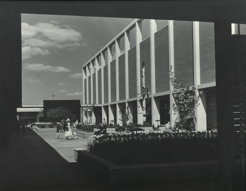 Photograph of the Northland Shopping Center in Detroit, Michigan that was designed by Victor Gruen, 1954. Box 22, Victor Gruen papers.