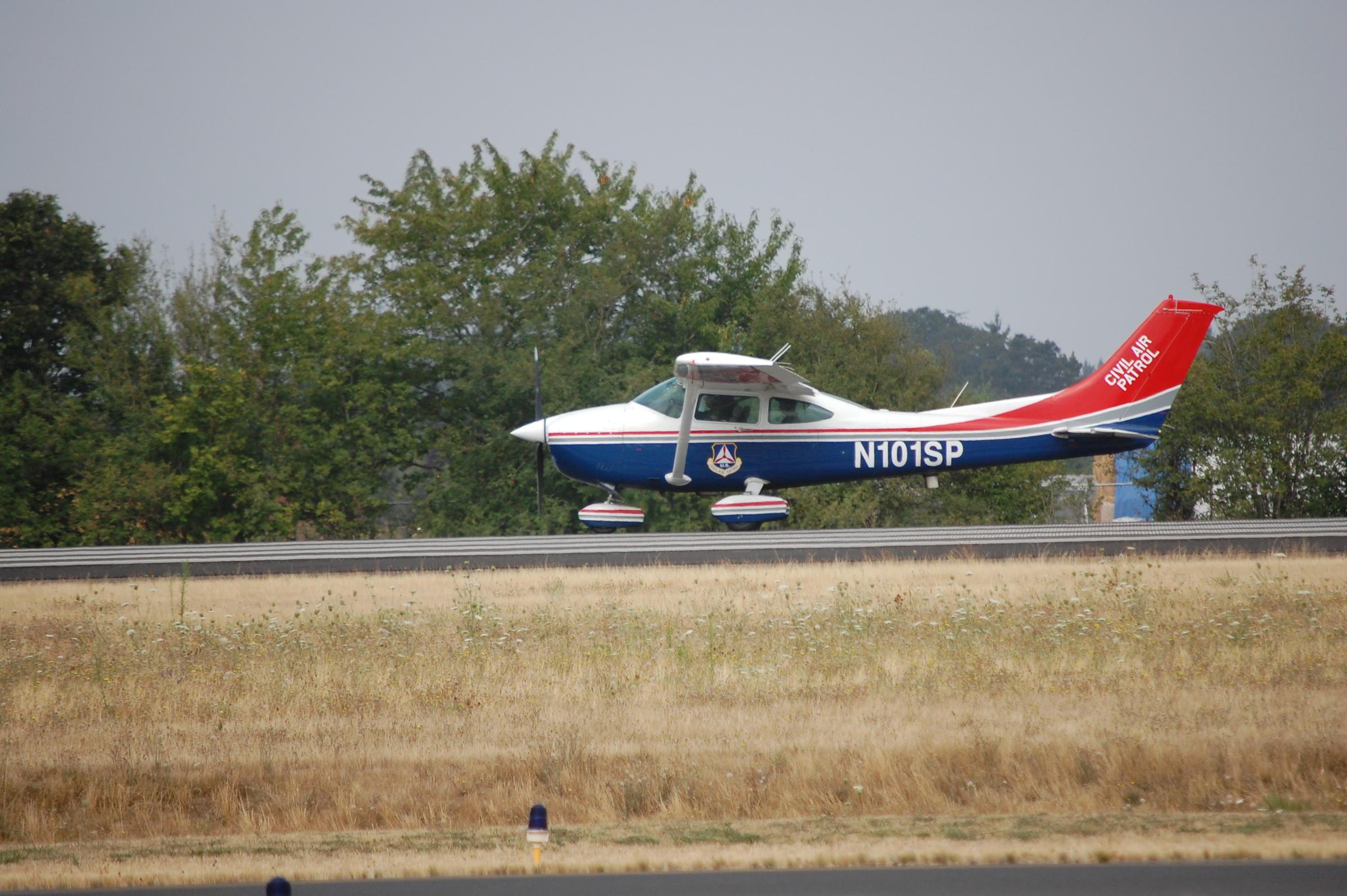 hunter find missing plane - HD2400×1596