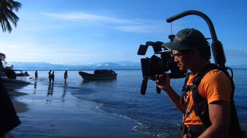 Alan Blanco, shooting Manos Sucias in Buenaventura, Columbia.