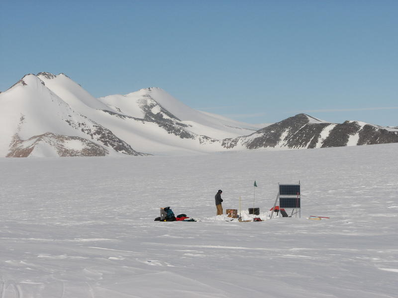 2008 POLENET seismic deployment.