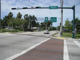 U.S. 1 turns to the west at this intersection.