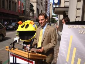 Hinckley on the campaign trail with Pacman last year.