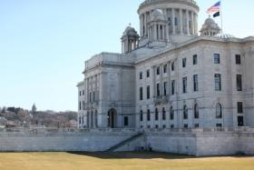Business leaders and conservative groups are pushing lawmakers to change Rhode Island's estate tax.