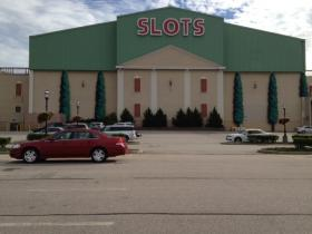 Slots are the only attraction at Newport Grand, but a group is trying to bring table games to the casino.