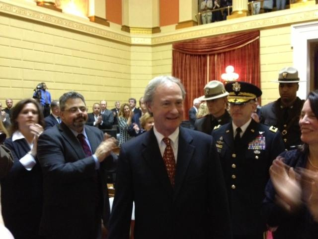 Gof chafee walking into chamber to deliver address