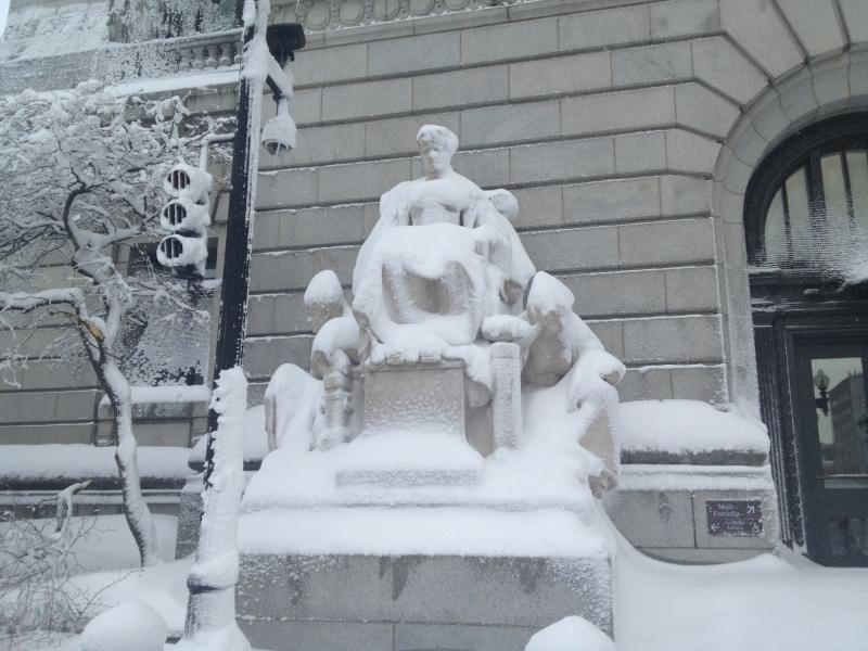 Silent statue, downtown Providence courthouse