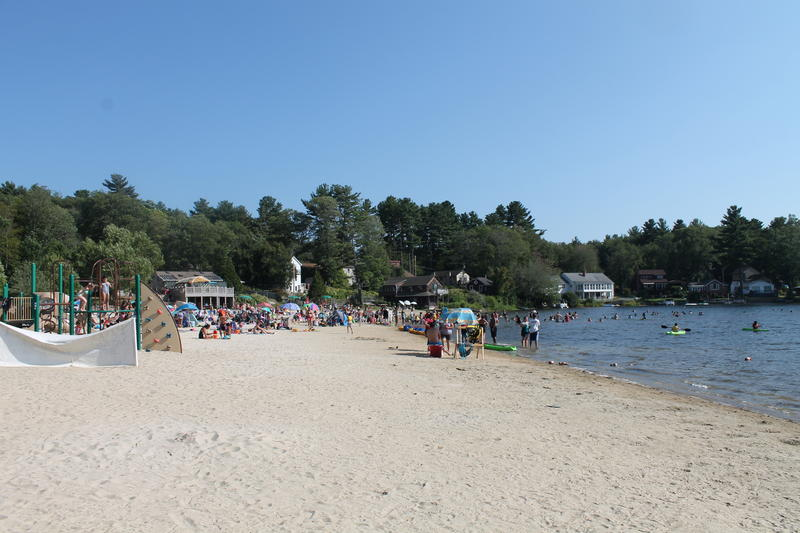 Beach w/ Spring Lake Hotel (middle building)