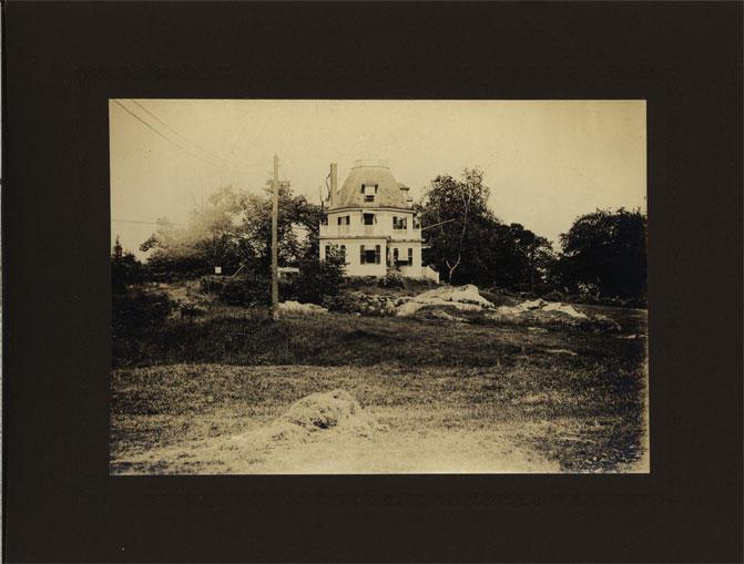 Octagonal house at Ochee Spring, circa 1900