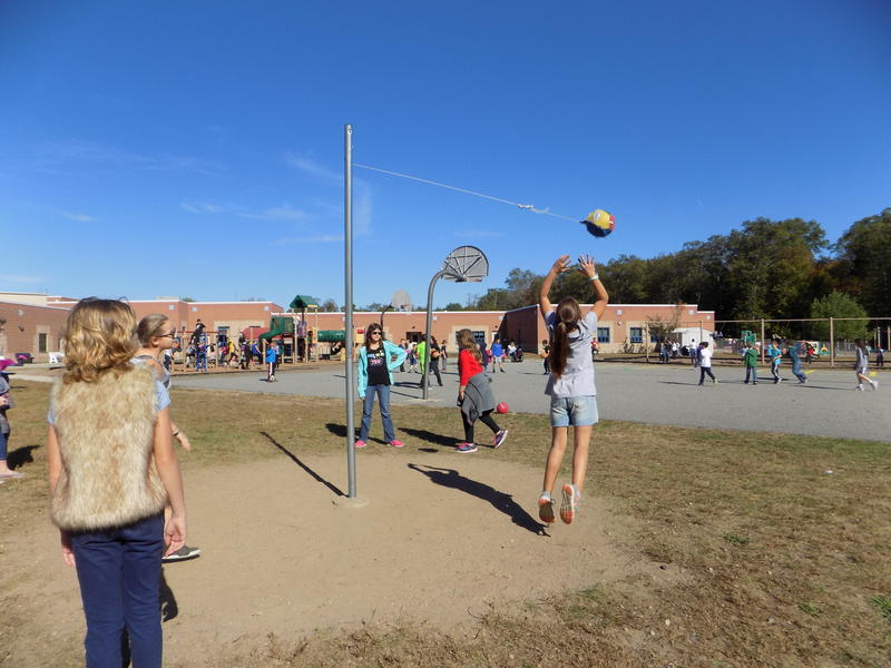 Kids at Washington Oak Elementary School play tetherball at recess