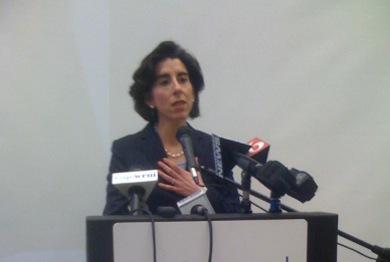 Treasurer Gina Raimondo met with local officials to seek their support for reforming Rhode Island?s pension system.