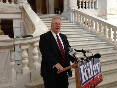 Michael Riley mades his official announcement at the RI Statehouse