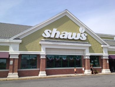 Shaw's in Barington pulling plastic from its store.