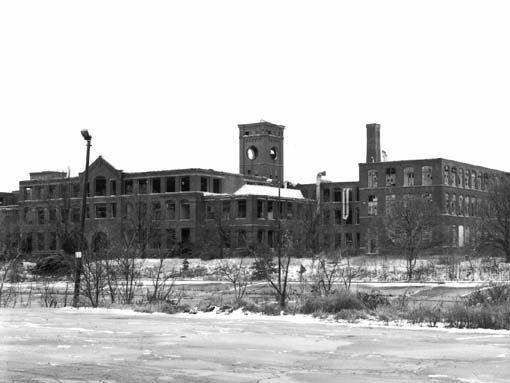The Gorham complex abandoned in place on Adelaide Ave in Providence in 1998.