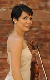 <em>Smile</em> is concert violinist Anne Akiko Meyers' just-released CD