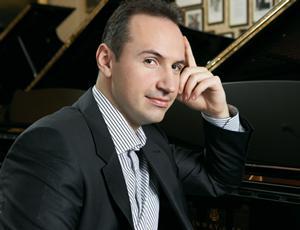 Pianist Simon Trpceski