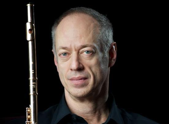Virtuoso flutist Jeffrey Kahner is teaching students online at the ArtistWorks Classical Campus.