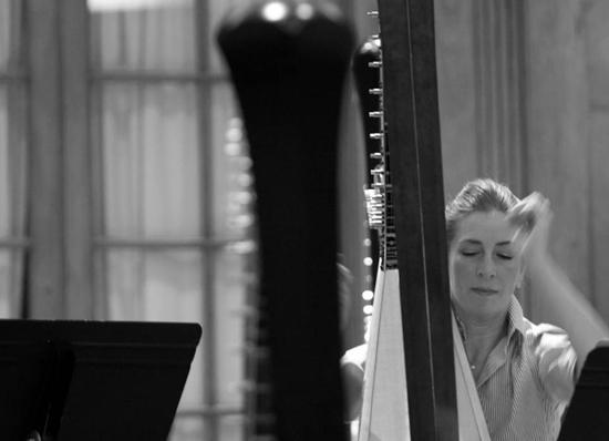 Harpist Elizabeth Hainen