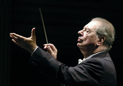The esteemed conductor Rafael Fruhbeck de Burgos passed away on June 11, 2014 at age 80. He made his U.S. debut with the Orchestra on Valentine's Day in 1969 and became a regular presence on the Orchestra's podium.