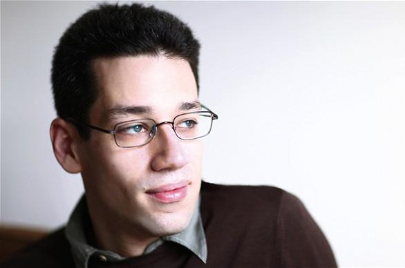 Pianist and Curtis faculty member Jonathan Biss is teaching on online pilot course that begins on September 3rd.