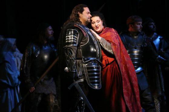 Marco Berti sings Manrico and Tamara Wilson sings Lenora in Verdi's Il Trovatore
