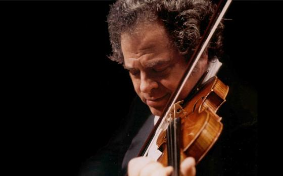 Violinist and conductor Itzhak Perlman