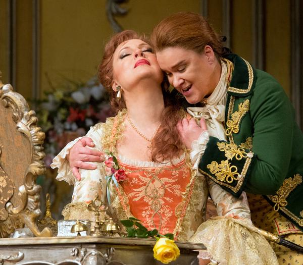 Martina Serafin sings the Marschallin, and Alice Coote sings Octavian in this 2013 Met Opera production of Strauss' Der Rosenkavalier.