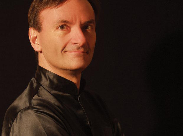 Stephen Hough performs the highly demanding Piano Concerto No. 1 with the Philadelphians.