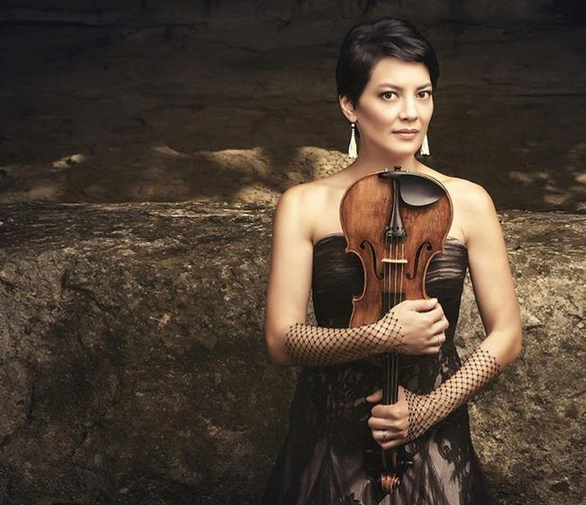 The Four Seasons: The Vivaldi Album is violinist Anne Akiko Meyers' newly released CD.