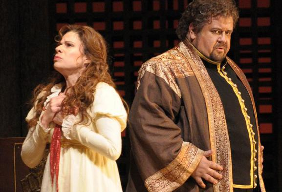 Ana María Martínez sings Desdemona and Johan Botha sings the title role in Verdi's OTELLO.