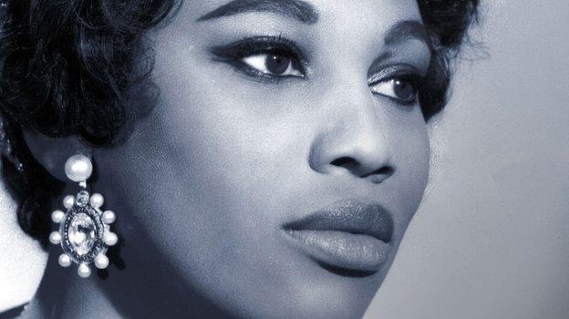 Soprano Leontyne Price sings the title role in the Met Opera's 1962 recording of Puccini's TOSCA.