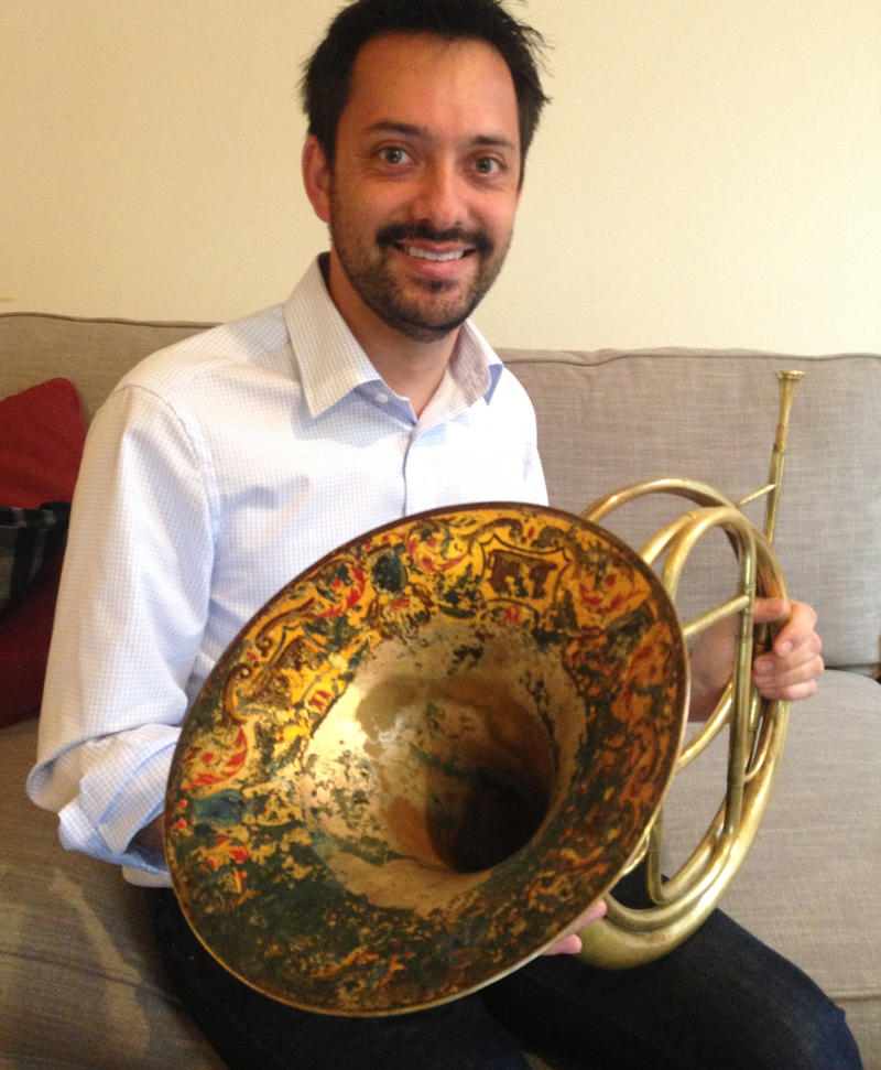 Horn player Yoni Kahn is a member of Grand Harmonie.