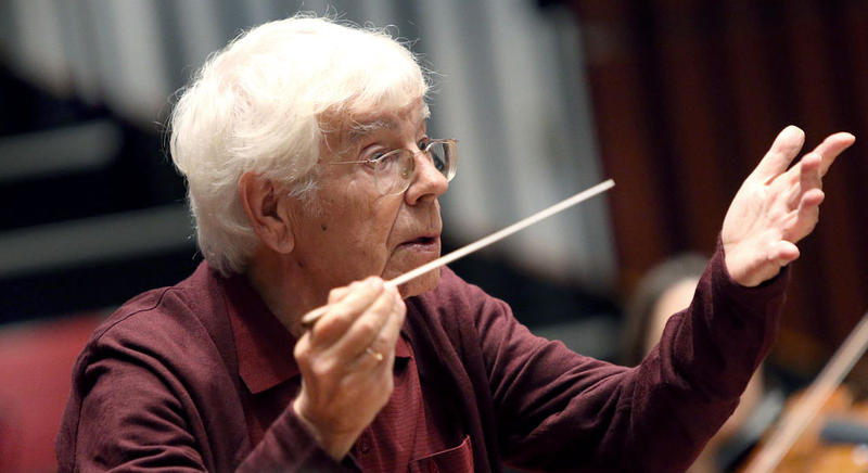 Eminent choral conductor and Bach specialist Helmuth Rilling