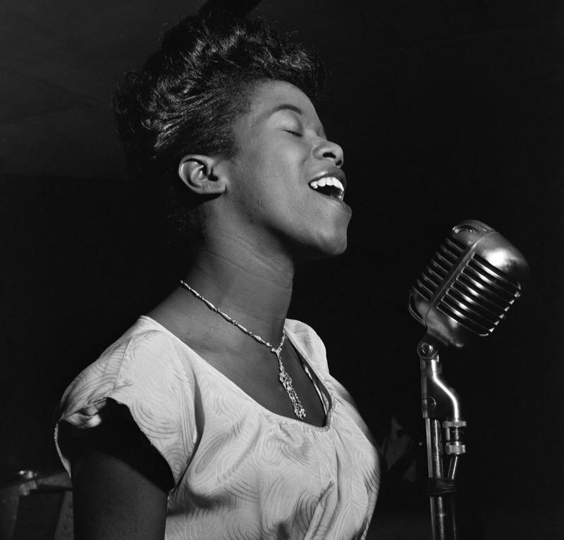 """The Divine One"" - Jazz chanteuse Sarah Vaughan in 1946"