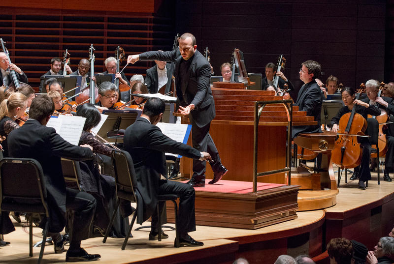 Yannick Nézet-Séguin leads soloist Paul Jacobs and the Orchestra in the world premiere of Christopher Rouse's Organ Concerto, in Verizon Hall at the Kimmel Center, November 17, 2016.