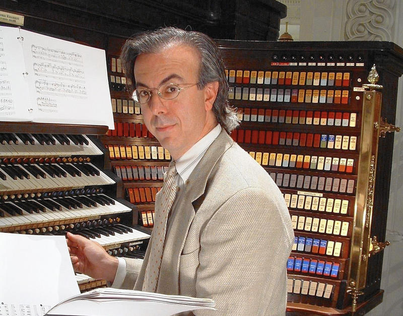 Organist Peter Richard Conte
