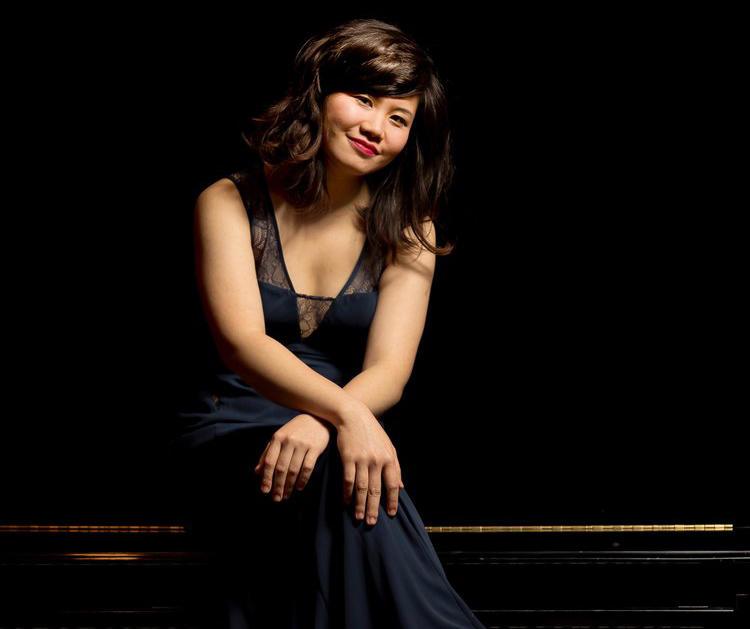 Pianist Zhenni Li