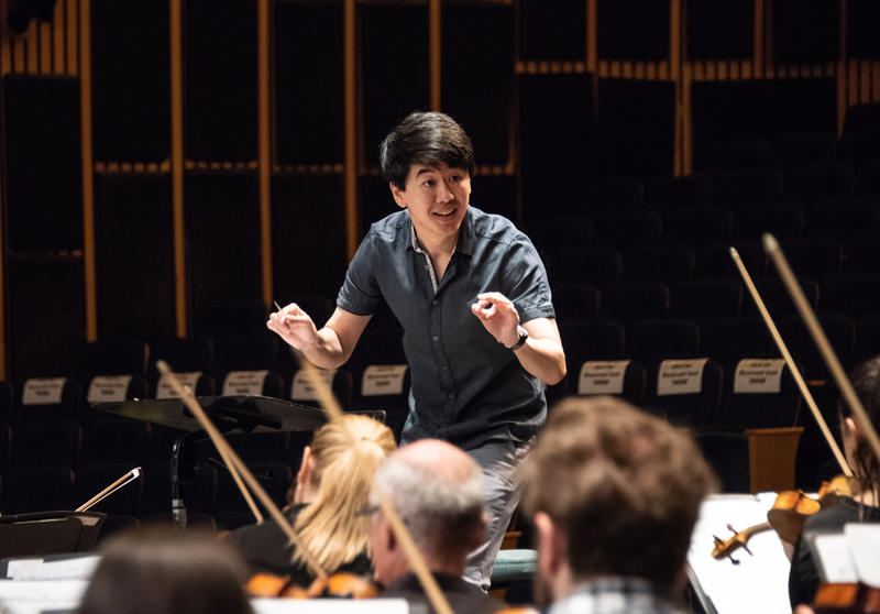 "Kensho Watanabe conducting ""Side-by-Side"" concert in Tel Aviv"
