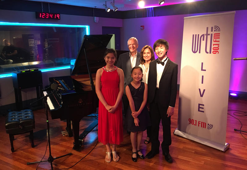 (Left to right counterclockwise) Petrina Steimel, Emma Liu, Max Wang, Gabrielle Rinaldi (from Jacobs Music), and WRTI's Kevin Gordon