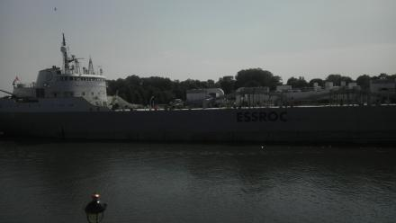 Tankers like these could soon transport oil along the St. Lawrence River.