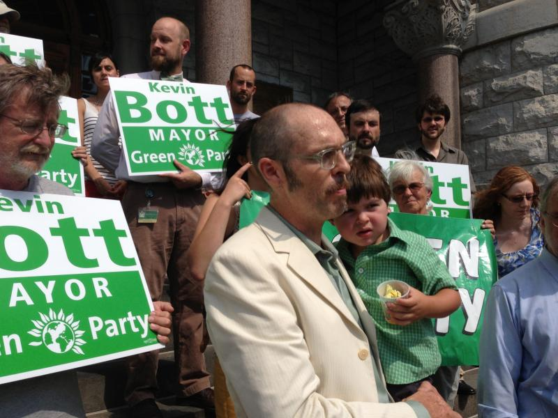 Green Party candidate Kevin Bott makes his announcement to run for mayor of Syracuse on September 11, 2013.