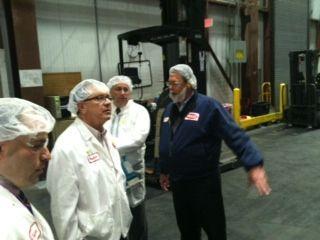 Rep. Hanna tours Hood Dairy in Oneida