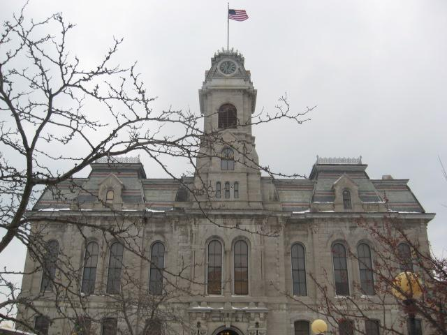Oswego City Hall (file photo)