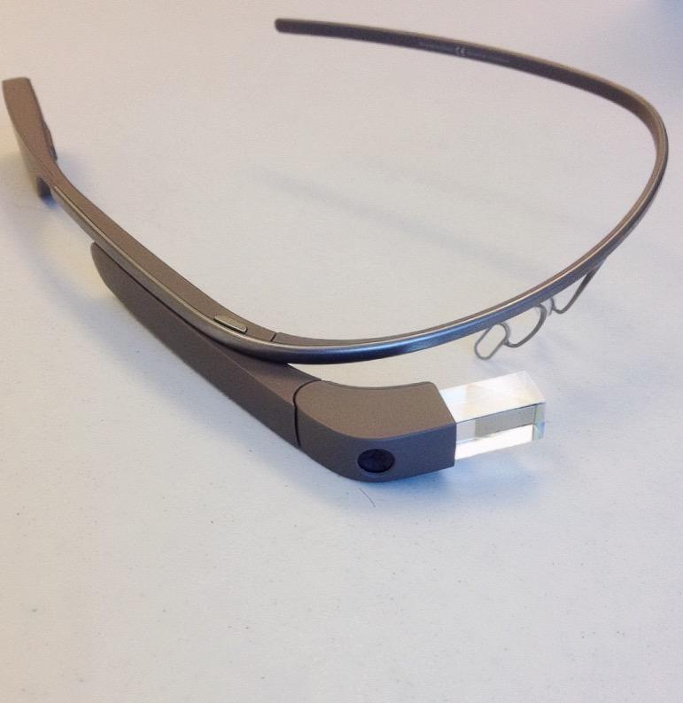 Smart glasses with Rhema installed can record a speaker, analyze the volume and speaking rate, and present the data in real time.