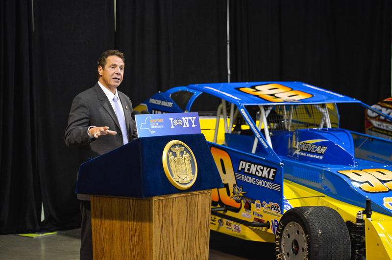 Gov. Andrew Cuomo announces that Super Dirt Week will move from the New York State Fairgrounds to Oswego County in 2016