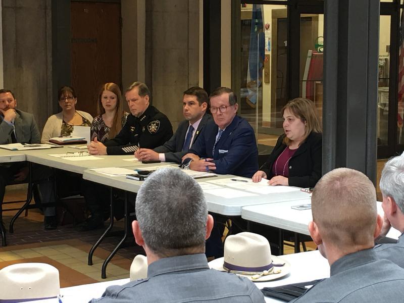 From left to right, Onondaga County Sheriff Gene Conway, Syracuse Mayor Ben Walsh, Onondaga County District Attorney Bill Fitzpatrick, SUNY Oswego professor Jaclyn Schildkraut.