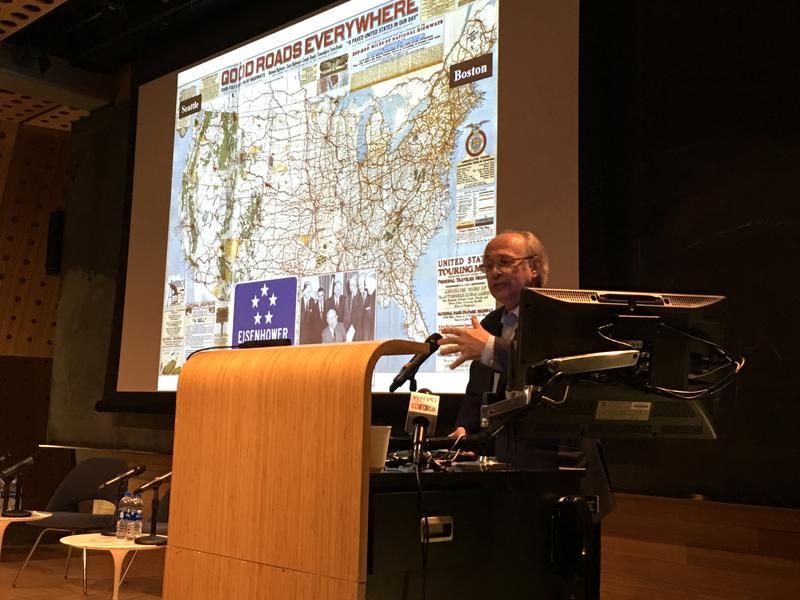 Alex Kreiger, a professor at the Harvard Graduate School of Design, speaking at SU.